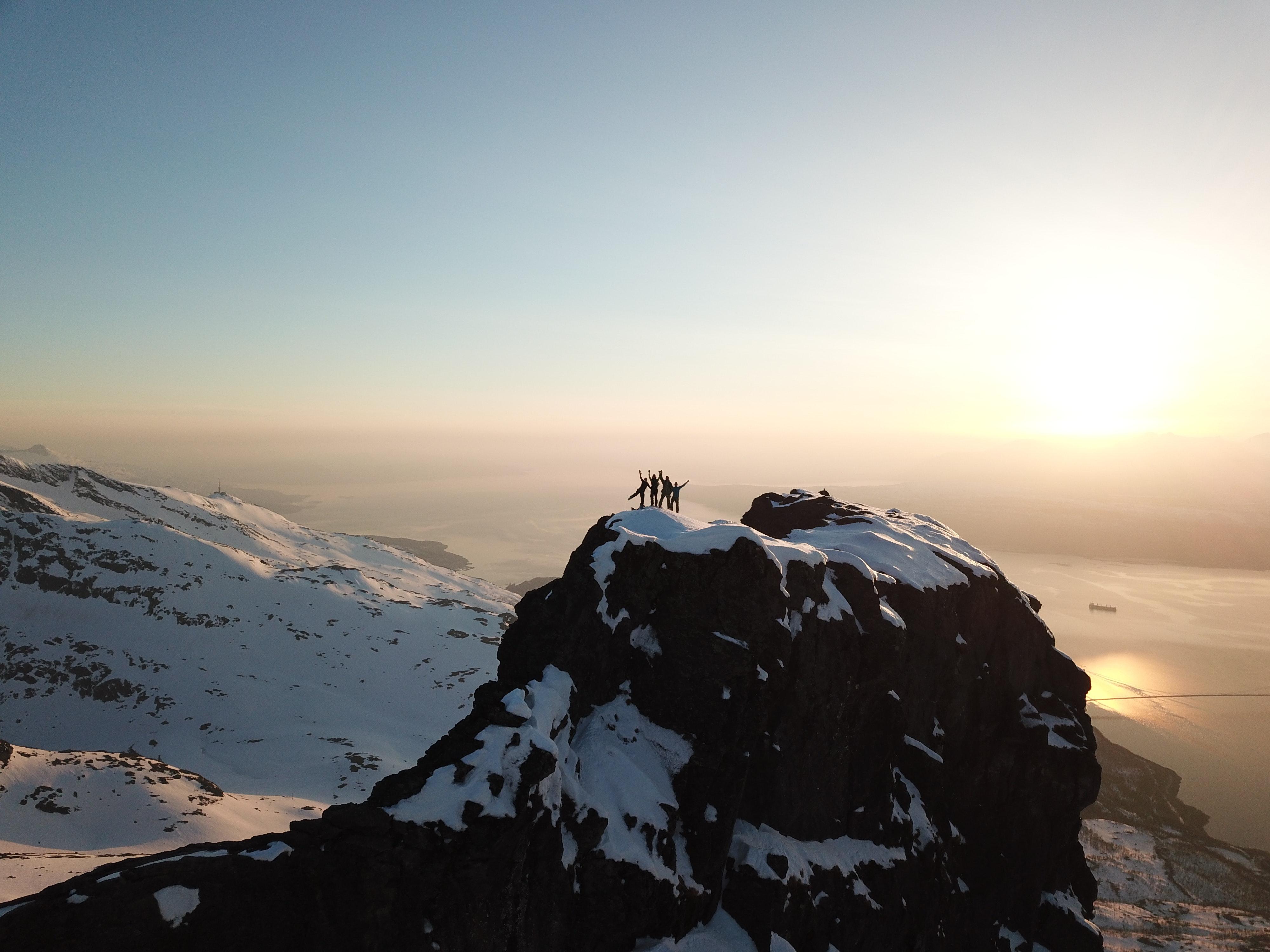 The Pinnacle: Postle Problem; Emmett Earning; Holz on Health